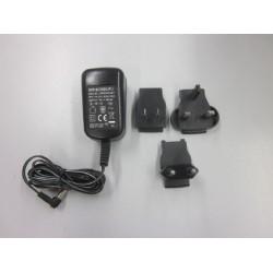 YKA-03   Universal-Netzadapter extern, mit Universaleingang und optionalen Eingangsstecker-Adaptern für CH, EU, GB, USA für KERN